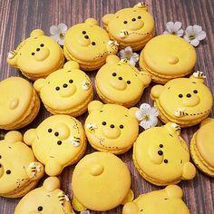Winnie the Pooh macarons by Sweet Spot by Meli Leesandra meli Kawaii Yummy Disney Desserts, Cute Desserts, Disney Food, Yellow Desserts, Cute Food, Yummy Food, Comida Disney, Winnie The Pooh Birthday, Winnie The Pooh Themes