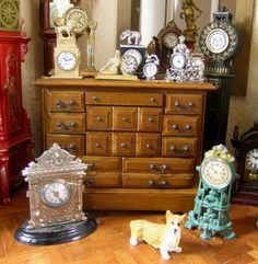 Cynthia Howe Miniature Rooms, Miniature Furniture, Diy Dollhouse, Dollhouse Miniatures, Clock Shop, Barbie Furniture, Piece Of Cakes, Bjd Dolls, Vignettes