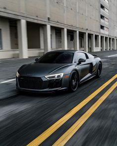 Audi R8... #AudiR8