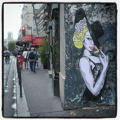 Suriani, Paris