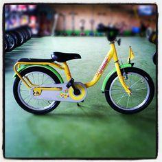 Zapowiedzi AktywnegoSmyka... Rowerek Puky Z6 w kolorze żółtym z zielonymi błotnikami i kierownicą. #puky #aktywnysmyk