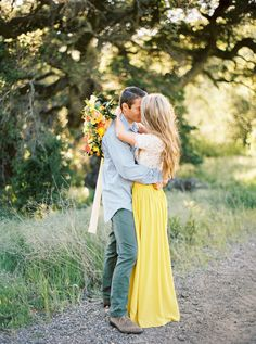 Colorful summer e-sesh: http://www.stylemepretty.com/california-weddings/san-luis-obispo/2016/06/27/get-your-daily-dose-of-sunshine-from-this-colorful-editorial/ | Photography: Jen Rodriguez - http://www.jen-rodriguez.com/