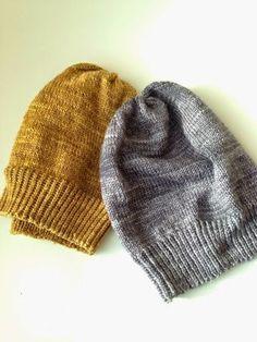 Mä, suuri myssyjen ystävä, tein harmaan, yksinkertaisen myssyn Uncommon Threadin Merino Silk Fingering-langasta eräällä työmatkalla viime ke... Knitting Projects, Knitting Patterns, Sewing Patterns, Crochet Chart, Knit Crochet, Beanie Hats, Craft Gifts, Mittens, Knitted Hats
