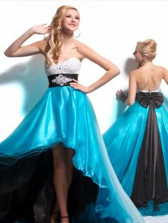 Would so wear this to prom this year.