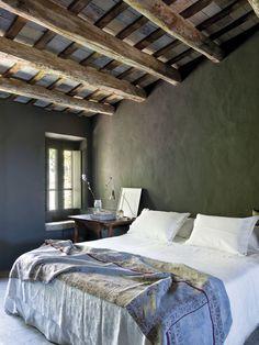 white bed with antique textile accentContemporary Farmhouse Restoration- Eduardo Wrinkle-13-1 Kindesign