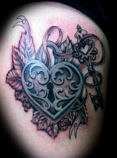 Heart locket tattoo I like :)