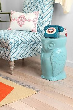 Owl Side Table and old phone and tiffany blue. All the things I want in my future house!