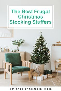 Frugal Christmas stocking stuffer ideas are perfect for anyone who wants to have a debt free Christmas. Frugal Christmas, Christmas And New Year, Christmas Home, Christmas Shopping, Modern Interior Design, Interior Design Living Room, Box Deco, Cheap Christmas Stockings, Deco Addict