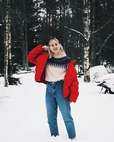 That time when I looked like straight from the 90s . . . . . . . #junkyardgirls #monkistyle #junkyard #whatiwore #fashionstatement #moreontheblog #linkkibiossa #linkinbio #winteroutfit #scandioutfit #icelandicsweater #diysweater #vscocam #nouwinfluencer #nouwoutfit