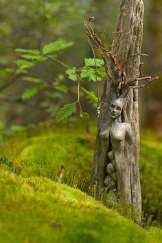 5 x 8 Print  Kunstkarte Geist-Baum-Frau mit Steinen