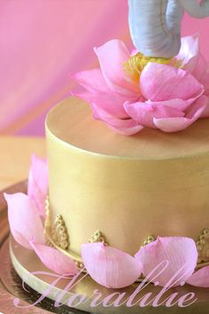 Ganesha Cake - Wafer Paper Lotus | Floralilie Sugar Art