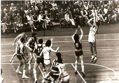 My jump shot!!! http://www.facebook.com/pages/John-Leslie-Fultz/313004068809971 Dai un occhiata a Cochise , okay? Check out Cochise's fan page, okay? Peace, Kociss    John Leslie Fultz