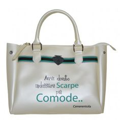 Le Pandorine Sweet Bag carry all made of opaque rubber, with double handles and zipper catch.