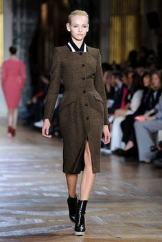 Stella McCartney// Not crazy about the collar, but love the structure and the utilitiarian cut/color. Katharine Hepburn could have worn this, and that's all I need.