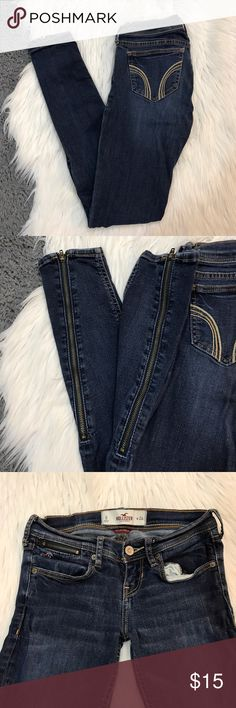 $10 CLOSET SALE❗️Hollister Ankle Zip Skinny Jeans Hollister skinny jeans with ankle zippers. Size 0/24. Some puckering on waist area. Waist is 12 across, rise is 6, inseam is 28.5 and leg opening is 8 around. 30% off bundles! Hollister Jeans Skinny