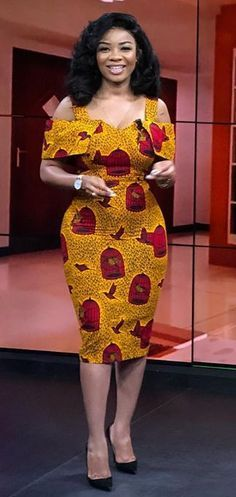 African fashion dress style Serwaa Amihere is a Ghanaian broadcast journalist and newscaster who currently works with GHOne TV. Check out some of her amazing pictures on the inte Short African Dresses, Latest African Fashion Dresses, African Print Dresses, African Print Fashion, Africa Fashion, Dress Fashion, Ankara Fashion, African Prints, African Women Fashion