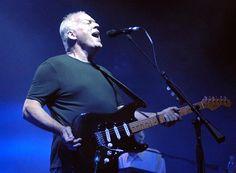 """David Gilmour toca """"Wish You Were Here"""" pela primeira vez em mais de dois anos; assista"""