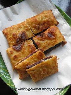 My Little Space: Shanghai Sweet Pancake @ Wo Bing(recipe adapted from Kuali ) Ingredients for pancake crust : 125gm all purpose flour 45gm glutinous rice flour 1 TB sugar 1/2 tspn baking powder 1/4 tspn salt 2 eggs 280ml water Method :