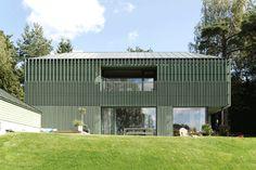 Slope roof pinterest for Casa moderna zwolle