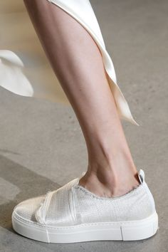 Calvin Klein Collection Spring 2016 Ready-to-Wear Accessories Photos - Vogue
