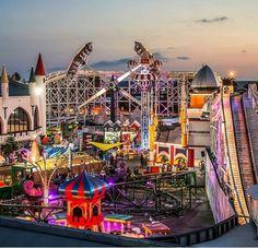 Luna Park ....lots of fun by tge beach!! Melbourne - Australia