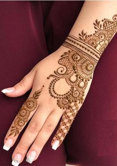 You can use a lot of best mehndi or henna designs to make your personality more cute and attractive. See here and find our best best ever mehndi arts for ladies to show off in 2019.