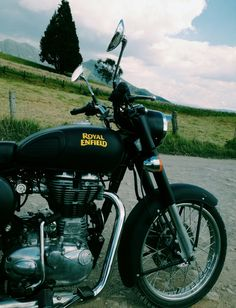 The matte black Royal Enfield Cassic 500