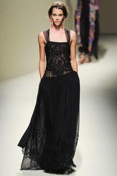 Alberta Ferretti - Spring 2014 Ready-to-Wear - Look 35 of 52?url=http://www.style.com/slideshows/fashion-shows/spring-2014-ready-to-wear/alberta-ferretti/collection/35