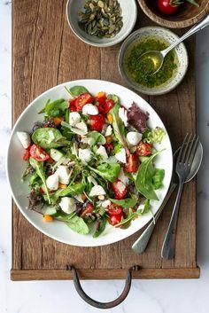Caprese Salad, Cobb Salad, Vegan For A Week, Food Inspiration, Salads, Brunch, Healthy Recipes, Dinner, Fitness Photography