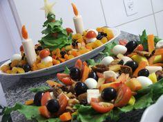 salada para o natal, legumes, figo, palmito,tâmaras, cerejas, ameixas,ovos de codorna, tomates cerejas,uvas, ficou linda e saborosa, fez sucesso em família!