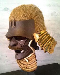 Helmet and Mask angled view. Samurai Helmet, Samurai Weapons, Samurai Armor, Arm Armor, Body Armor, Japanese Mask, Japanese Warrior, Japanese Sword, Japanese History