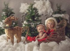 Great post (+ behind-the-scenes video!) all about holiday mini-sessions for photographers The Milky Way – a photographer's resource Your Christmas family picture ideas - newborn and family photography Baby Christmas Photos, Christmas Portraits, Christmas Minis, Christmas Photo Cards, Holiday Photos, Family Christmas, Christmas Trees, Christmas Cookies, Christmas Decor