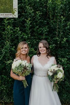 For something a bit different, Rebecca's Autumnal bouquet features wintergreen hydrangea, white lisanthus and dahlias and berries. So pretty! www.jademcintoshflowers.com.au