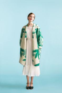 Longing For Sleep by Marit Ilison Unique coat - Marit Ilison Online Store Fringe Coats, Coat Of Many Colors, Types Of Coats, Blanket Coat, Mein Style, Layering Outfits, Ready To Wear, Winter Fashion, Kimono Top