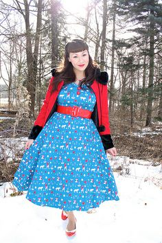 Outfit Details: Favorite Fairy Teal Dress: ModCloth For the Winnipeg Coat: ModCloth Spectator pumps: BAIT Footwear Red belt: Pinu. Fit N Flare Dress, Fit And Flare, Pin Up Looks, Vintage Outfits, Vintage Fashion, Fashion Gallery, Modcloth, Winter Outfits, Casual Dresses