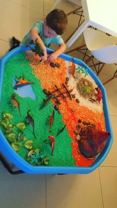 Dinosaur Play, Dinosaur Activities, Preschool Learning Activities, Play Based Learning, Learning Through Play, Infant Activities, Toddler Preschool, Eyfs Activities, Baby Sensory