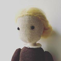 13 отметок «Нравится», 1 комментариев — Verushka Dolls (@verushka_dolls) в Instagram: «She has already read #Yanagihara. And she will never smile again. #crochet_doll #куклытожелюди…»