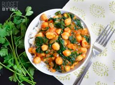 Curried Chickpeas with Spinach - Budget Bytes I have never tried anything made with curry seasoning. Going to try it next week! Vegetarian Chickpea Curry, Vegetarian Recipes, Cooking Recipes, Healthy Recipes, Cheap Recipes, Fast Recipes, Healthy Meals, Cheap Dinners, Le Diner
