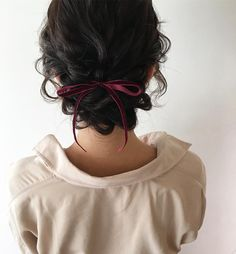 Lockiges Haar Hochsteckfrisur Inspiration - getting pretty - afro bangs hair hair styles mujer peinados perm style curly curly Curly Hair Styles, Updos For Medium Length Hair, Medium Curly, Short Wavy, Medium Hair, Pretty Hairstyles, Updo Hairstyle, Teenage Hairstyles, Hairstyles With Ribbon