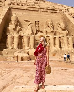 Enjoy the real beauty of Egypt through our 4 days Cairo and Abu Simbel holiday joined by an expert tour guide to witness the Pyramids of Giza and Abu Simbel Egypt Travel, Africa Travel, Places To Travel, Places To Visit, Places In Egypt, Visit Egypt, Pyramids Of Giza, Cairo Egypt, Travel And Leisure