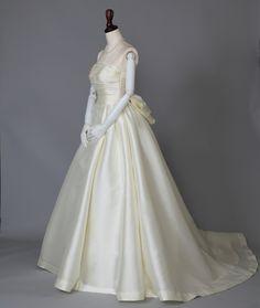ブライダル工房 F.M.N ミカドシルクのプリンセスラインドレス
