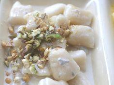 Gnocchi vegetariani con gorgonzola e pistacchi