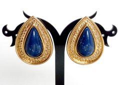 Teardrop Clip On Earrings Lapis Blue Earrings by BunnyFindsVintage #vintage #teardrop #blue #clipon #earrings #avon