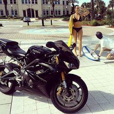 Triumph Daytona Photo credit to @mruizzo Hashtag #2WP for a chance to get featured. #motorbike #motorcycle #sportsbike #dirtbike #supermoto #yamaha #honda #suzuki #kawasaki #triumph #ducati #harleydavidson #aprilia #ktm #bmw #buell #husqvarna #r1 #r6 #gsxr #cbr #panigale #monster #streettriple #daytona #bikelife #TwoWheelPassion