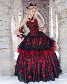 Gothic Wedding Dresses: Challenging Traditions Black Wedding Dresses, Wedding Gowns, Ball Dresses, Ball Gowns, Yule, Corpse Bride Wedding, Romantic Wedding Vows, Emo, Red Gowns