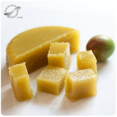 Jalea de mango verde. http://amantesdelacocina.com/cocina/2015/07/jalea-de-mango/