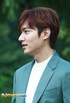 Lee Min Ho at Innisfree Play Green Festival on 12 September 2015 (Report:  Newsen /Shared Source:  @Minojennalee)  [포토엔]이민호 '조각같은 실물미모' - 손에 잡히는 뉴스 눈에 보이는 뉴스 - 뉴스엔