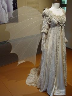 The beautiful winged ball gown from Ever After (Drew Barrymore) My favorite fantasy gown!