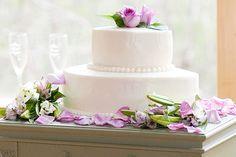 Make your own wedding cake #DIY #Baking #Weddings