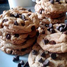 AUNT STELLA'S CHOCOLATE CHIP COOKIES @keyingredient #chocolate